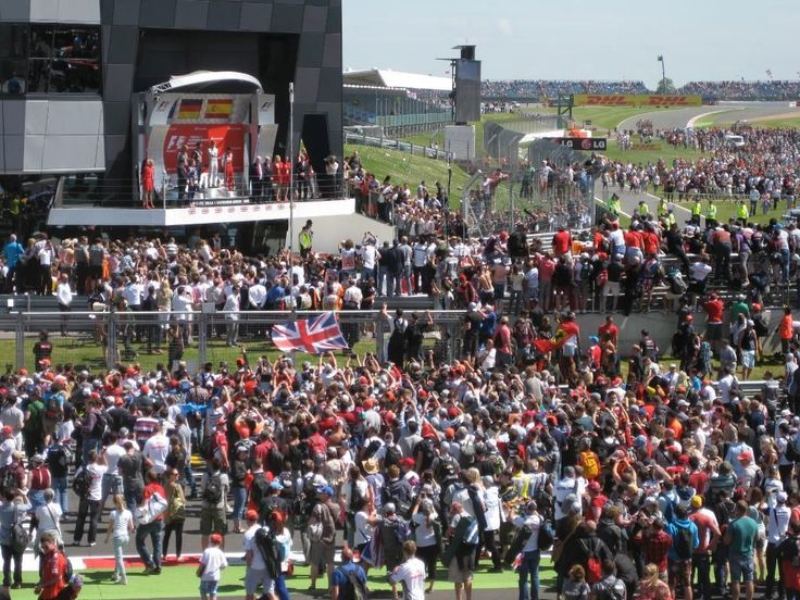 British #F1 Grand Prix #Camping at #Silverstone - One pitch is up to 4 persons with a Tent and Car - £140 for weekend - http://goo.gl/9vcnVo