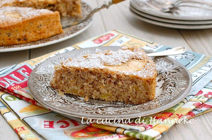 Una torta alle mele e nocciole sofficissima, senza glutine e senza burro e dal profumo irresistibile!