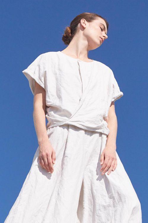 Купить Блуза-запах жатка из коллекции «…И ВХОДИТ ЖЕНЩИНА» от Lesel (Лесель) российский дизайнер одежды