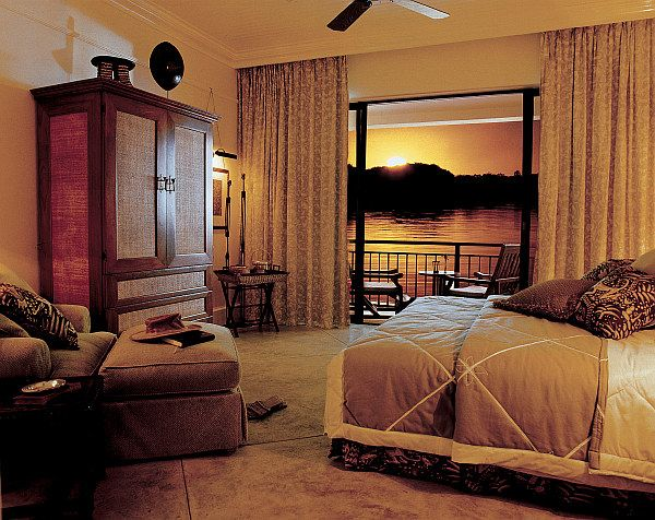 Decorating with a safari theme 16 wild ideas grass for Jungle bedroom ideas