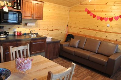 Deluxe cabins are great for families, couples and people of all ages. Filled with beauty and comfort, they are the perfect way to begin your getaway!