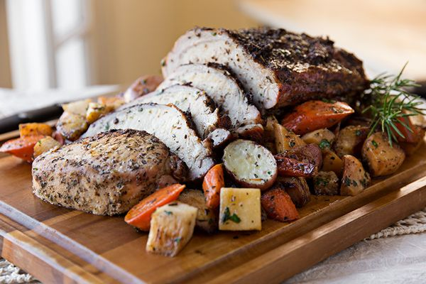 Post image for A Cozy Holiday: Garlic-Crusted Pork Loin With Glazed Winter Vegetables, Seasonal Simplicity