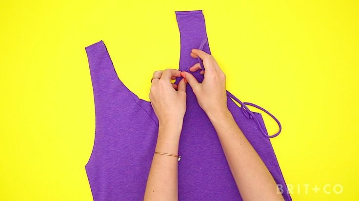 How to Turn a T-Shirt Into a Tank Top