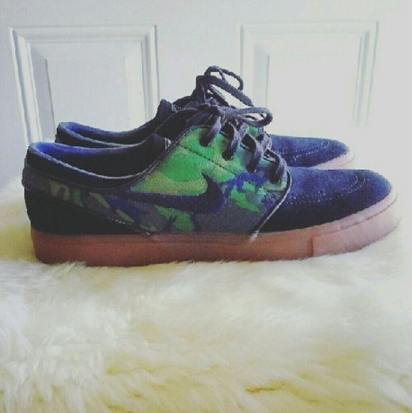 last chanceNIKE ZOOM STEFAN JANOSKY ERDL Super cool shoes. New in box. Men  size 9/ Woman 11 Nike Shoes Sneakers | My Posh Picks | Pinterest | Nike zoom