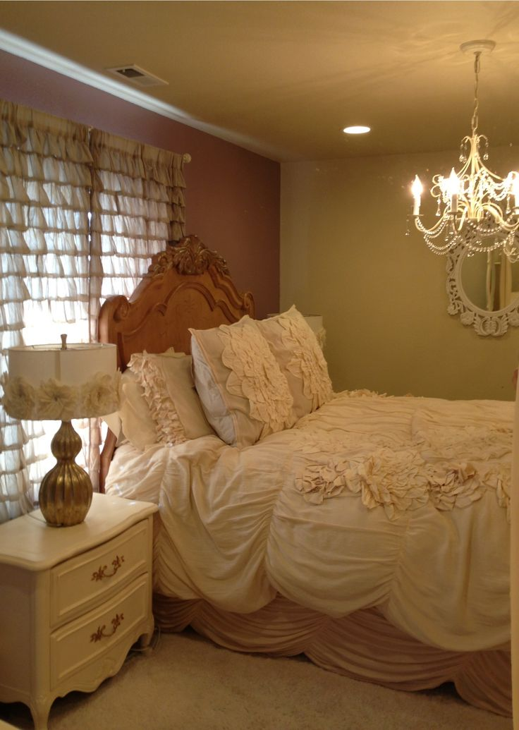 Princess Bed Purple And Cream Bedroom Chandelier