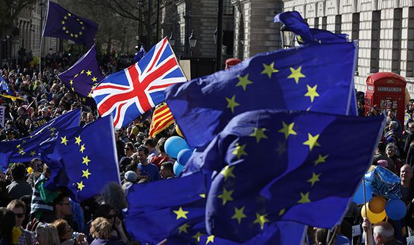 Remainers launch ANTI-BREXIT political party...but supporters not rushing to fund it - http://buzznews.co.uk/remainers-launch-anti-brexit-political-party-but-supporters-not-rushing-to-fund-it -