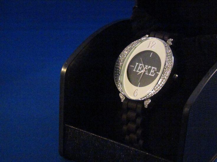 Dameshorloge zwart Artikelnummer: 0573 Prijs: € 5,95
