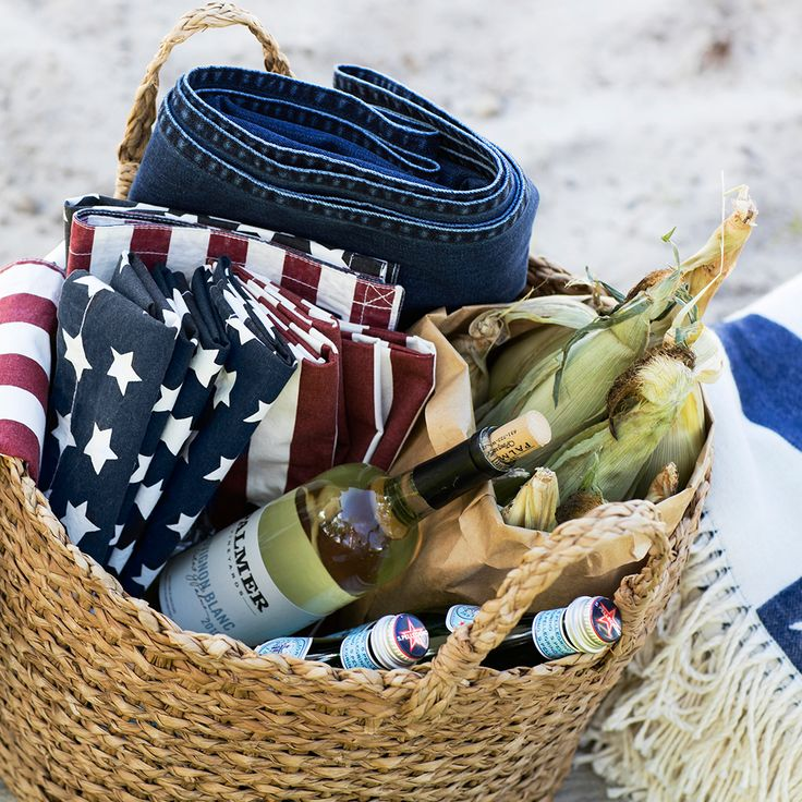 4th of July picnic in Hamptons. www.lexingtoncompany.com