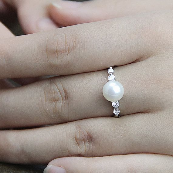 Pearl promise ring for girls,real pearl ring,freshwater pearl ring,pearl wedding rings,cubic zirconia engagement rings,best friend rings