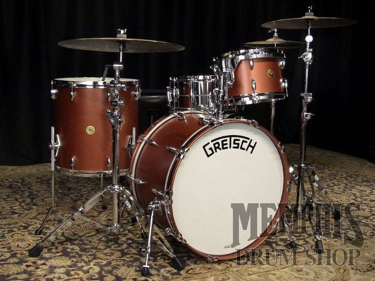 "dating gretsch drums 1935 metal shell (brass) slingerland broadcaster  the gretsch drum company had been using the name "" broadkaster "" since 1928, so in late 1935 or early 1936 slingerland was ""encouraged"" to abandon the broadcaster name the name was then changed to ""radio king."