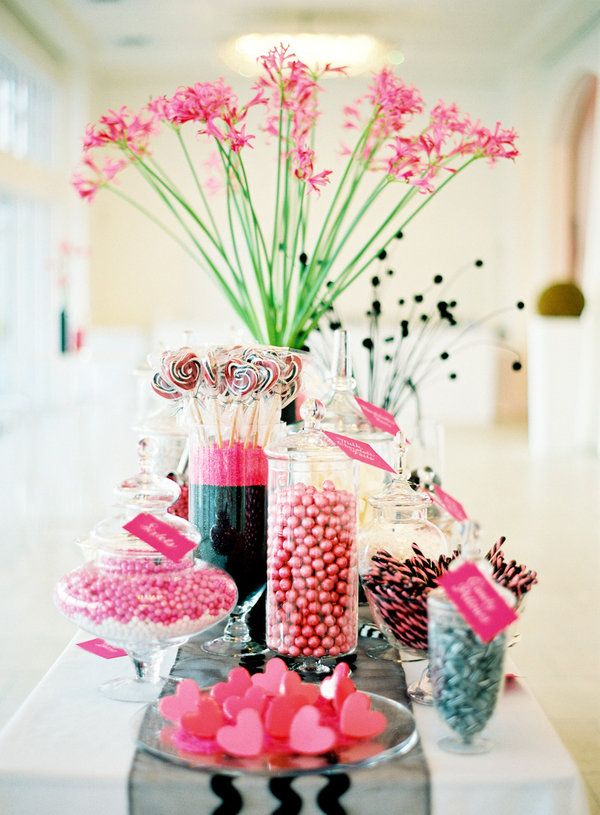 1000 ideas about pink candy buffet on pinterest candy for Buffet avec table integree