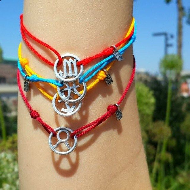 Sterling silver Amorem cord bracelets with signs of the Zodiac - buy online in Europe with free worldwide shipping