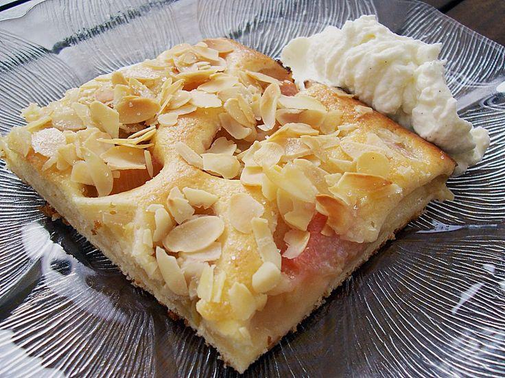 Rhabarber - Buttermilchkuchen, ein sehr schönes Rezept mit Bild aus der Kategorie Backen. 324 Bewertungen: Ø 4,4. Tags: Backen, Frühling, Kuchen