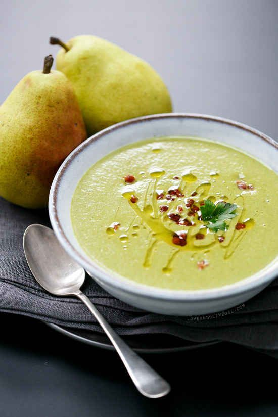 Creamy Spinach and Pear Soup With Pancetta