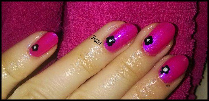 Wariacja różowo czarna. Pink nail art. JGD