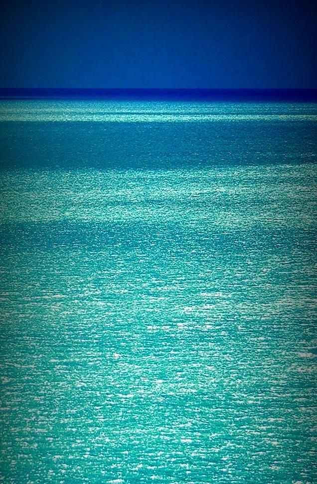 Turquoise Glitter Ocean - always looking for great water pictures.