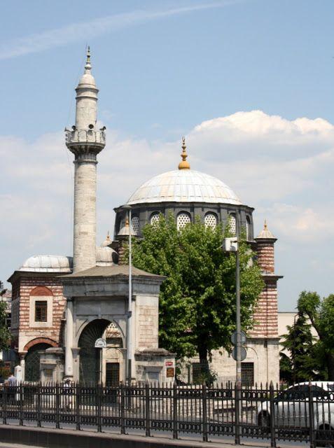 Şebsefa Hatun Camii, İstanbul.