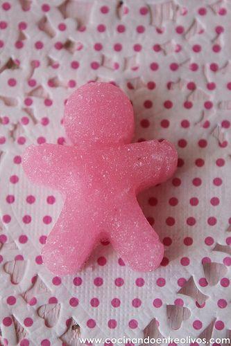 Desde que le vi a SandeeA sus dulces y monísimos terrones de azúcar  quería hacerlos, pero yo quería hacerlos igual que ella, los hombre...