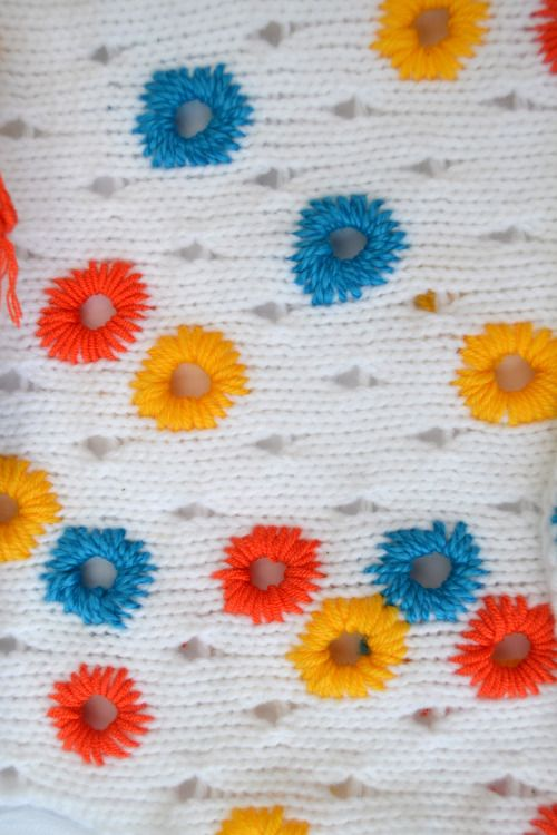 maireadwall:  knitting eyelets and embroidery