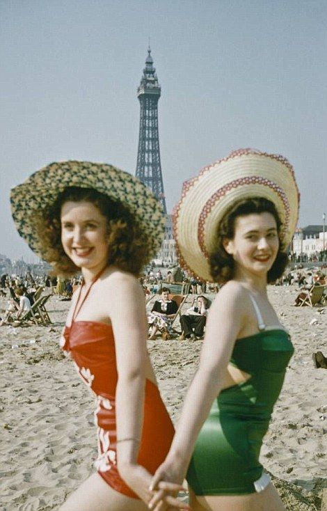 Vintage photos offer a snapshot of 'bathing beauties' of ...