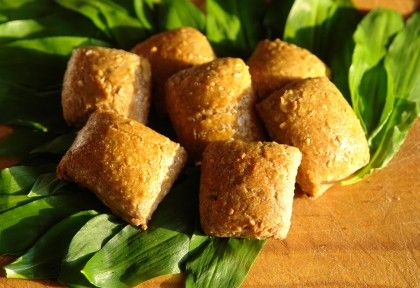 http://www.nosalty.hu/recept/medvehagymas-olivas-tonkolypogacsa