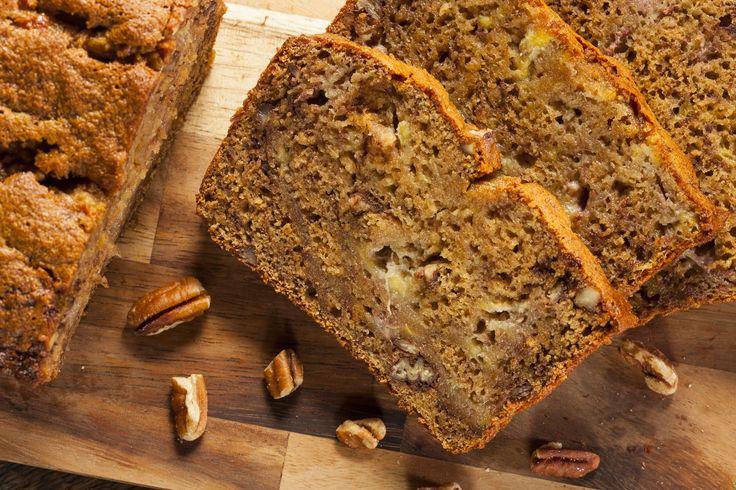 Op jacht naar glutenvrije, suikervrije baksels kwam ik al snel uit bij bananenbrood. Dit recept is voor bananenbrood met walnoten. Enjoy!