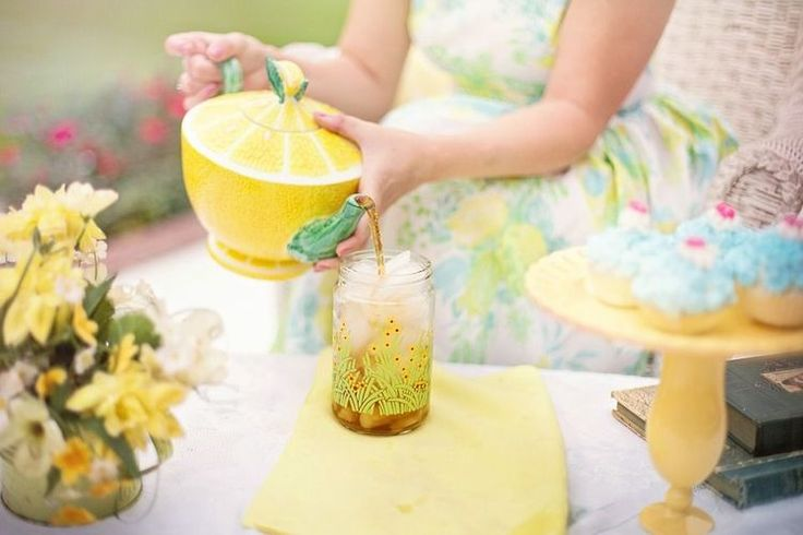 For a Fun Summer Celebration Try This Old-Fashioned Picnic Party