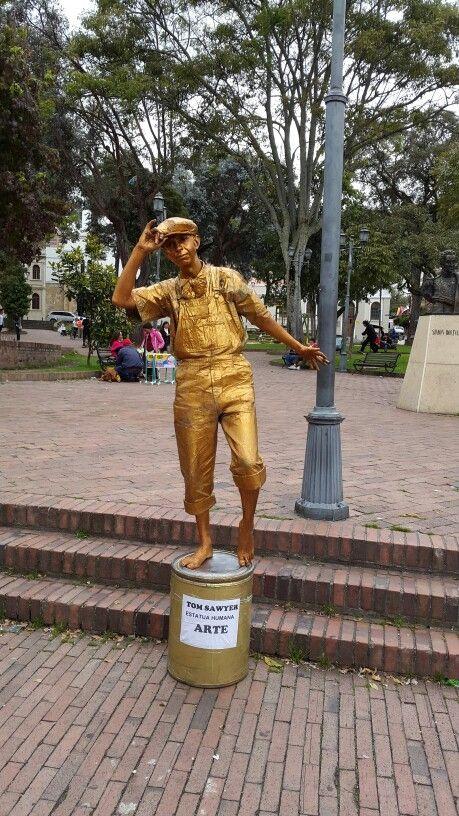 Estatua humana en Usaquén - Bogotá - Colombia