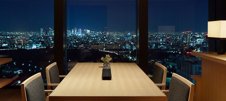 Completely private and offering some of the best views in the hotel, a Corner Suite is the perfect choice for a trip to Tokyo. Book your Tokyo hotel with Aman.