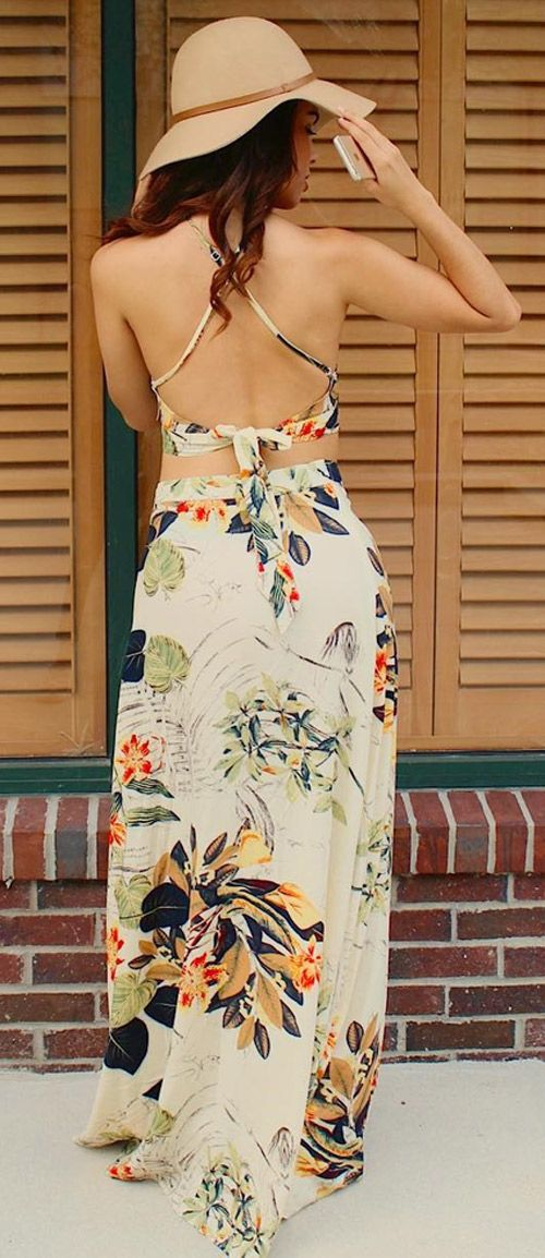 Add some artistic floral print to your wardrobe with perfect matching sets of crop top and maxi skirt. You can get this today. Full of seasonal vibes all year round, the floral maxi can be worked to fit any occasion from events to date night alike. Get the look at Cupshe.com now!