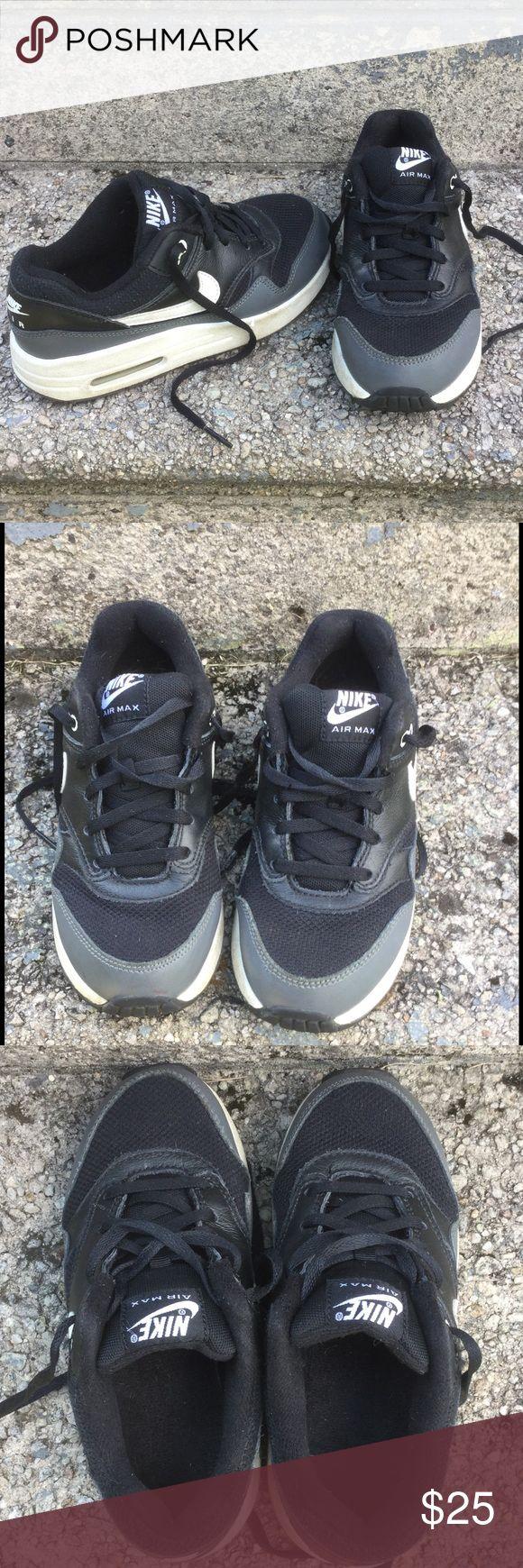Boy's Nike Air Max sneakers Black Nike Air Max sneakers!  Good used shape!  Size 1Y Nike Shoes Sneakers
