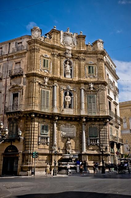 Sicilian Baroque architecture - Quattro Canti inPalermo