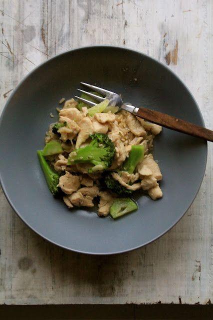 Stir fry med kylling, brokkoli og hvitløk