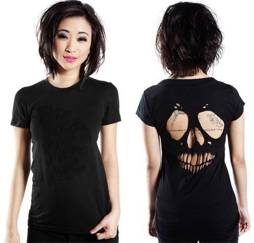 diy skull top (a favourite gothic punk clothes repin of VIP Fashion Australia ) LOVE THIS HAIR