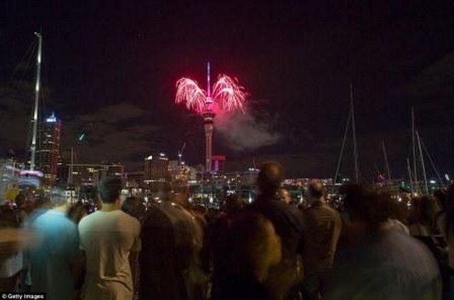 Άλλαξε ο χρόνος στη Νέα Ζηλανδία: Το νέο έτος υποδέχθηκαν η Νέα Ζηλανδία, την Πολυνησία και τα νησιά του Ειρηνικού. Εντυπωσιακά…