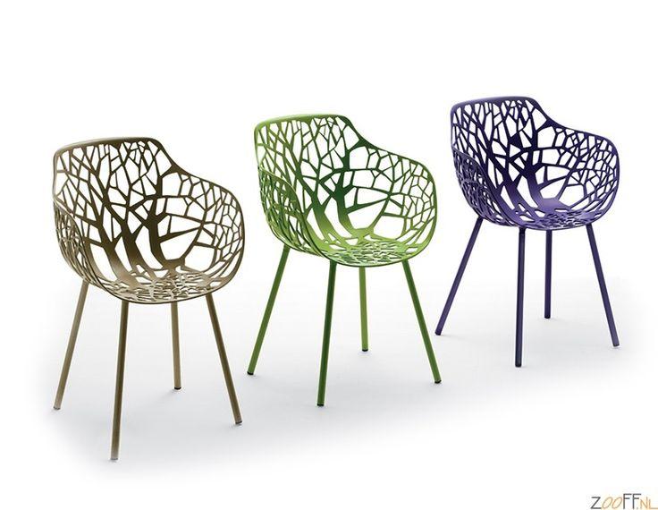 Fast Forest Armchair - Deze zeer stijlvolle en bijzonder ontworpen designstoel is een echte eyecatcher. De Italiaanse ontwerpers Robby en Francesca Cantarutti hebben de inspiratie om de Forest Collectie te ontwerpen uit de natuur gehaald. De stoel is gemaakt van 100% gecoat aluminium en is geproduceerd in Italië. Deze luxe design stoel is inzetbaar als kantoorstoel, eetkamerstoel en past uitstekend in elke horecagelegenheid. De Forest Armchair is ook geschikt voor buitengebruik ...