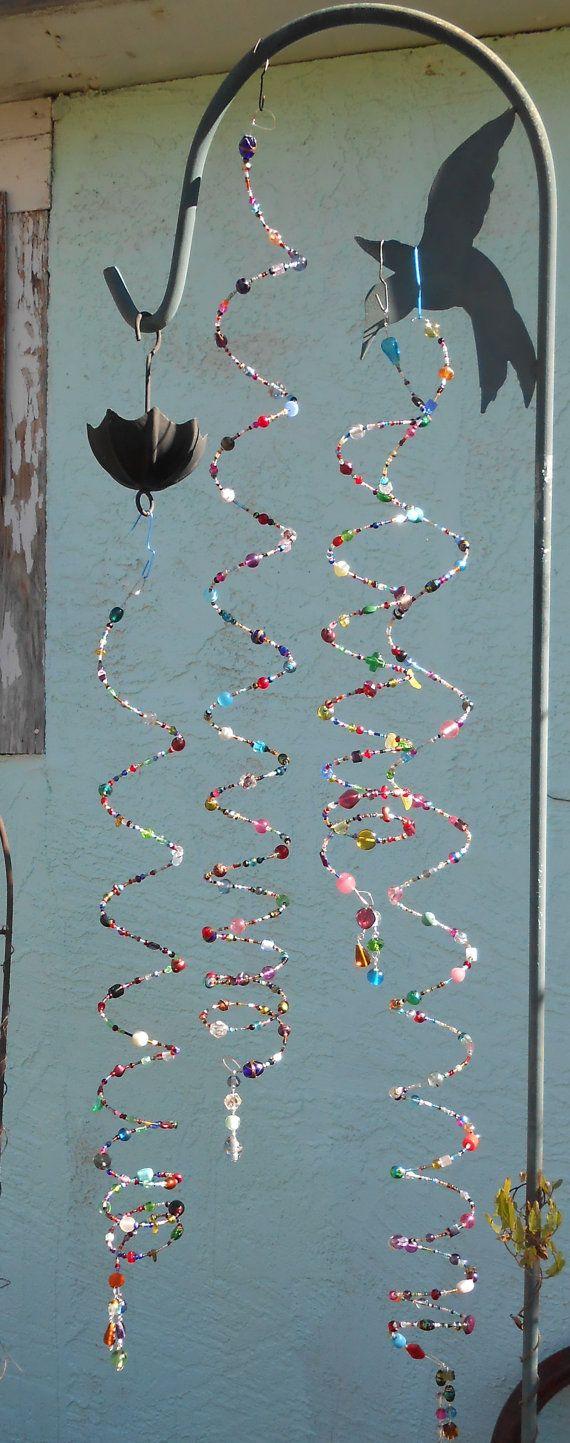 Perles en spirale Mobiles attraper le soleil dans un arc en ciel étincelant de cristaux et perles de verre en cascade. Cintre avec pivot et anneaux. Peut