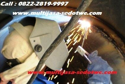 Proses pengelasan (welding) tangki mobil sedot wc: http://www.multijasa-sedotwc.com/desain-tangki-mobil-sedot-wc-fabrikasi/