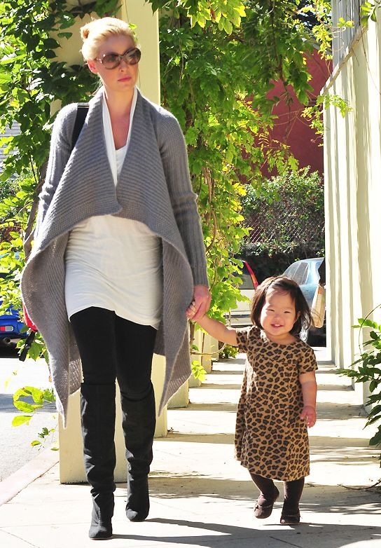 Katherine Heigl with her daughter Nancy Leigh *Aw that lovely grin*