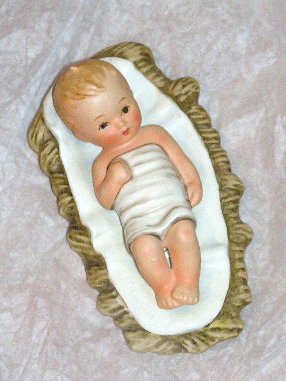 vintage christ child goebel hummel figurine 18    baby