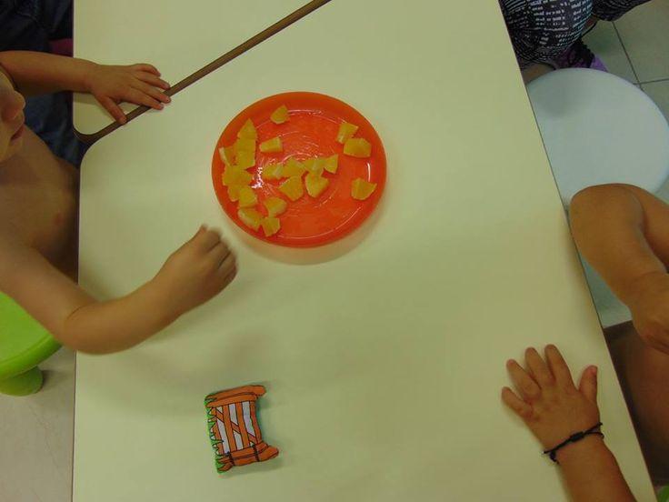 Eating oranges! A great way to explore orange foods