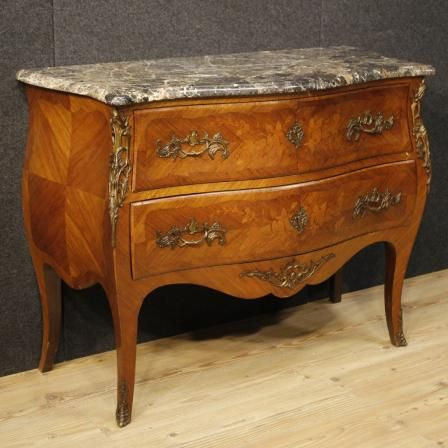 1750€ French inlaid dresser in Louis XV style with marble top. Visit our website www.parino.it #antiques #antiquariato #furniture #inlay #antiquities #antiquario #comò #commode #dresser #chest #drawer #golden #gold #decorative #interiordesign #homedecoration #antiqueshop #antiquestore