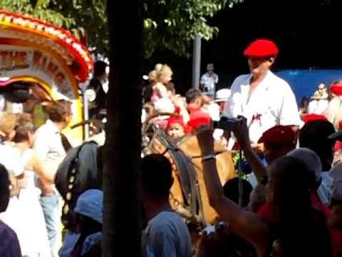 la charètte de la madeleine a chateaurenard - YouTube