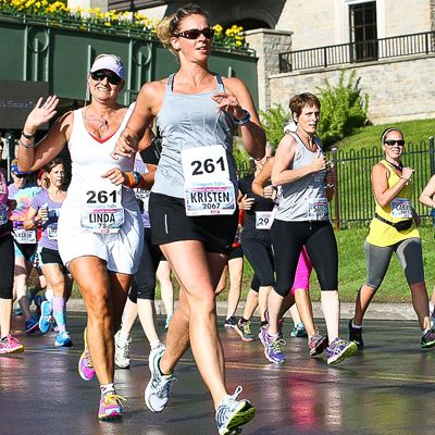 Niagara Falls Women's Half Marathon June 7, #NiagaraFalls #Summer #LundysLane