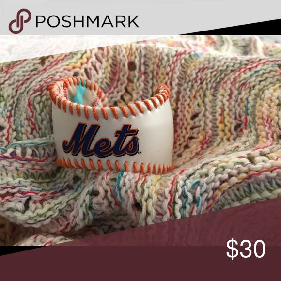 Baseball cuff bracelet Do you love the Mets?  You do?  Well show your team spirit with this adjustable baseball cuff bracelet!!!! Jewelry Bracelets