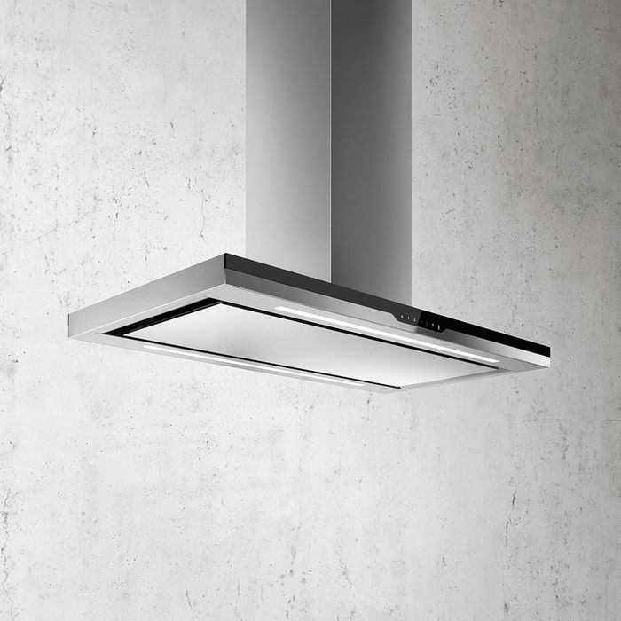 Black glass and polished stainless steel in its island version, like all of the hoods in the Elica Stream line, also Meteorite is meant for anyone who loves high-technological solutions, where Elica hoods and cooktops, automatically communicate with one another, recognizing quality and quantity of cooking vapors, thus accordingly adjusting performance levels.