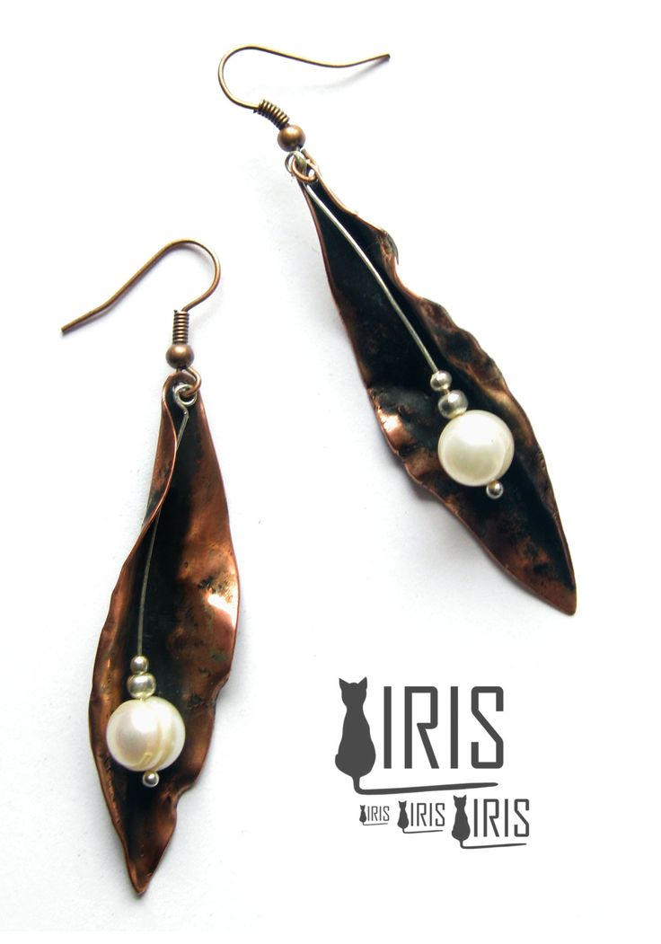 miedziane kolczyki z naturalnymi perłami rzecznymi -------------- Copper earrings with freshwater pearls
