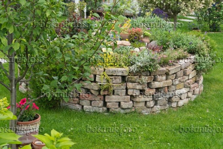Bild Hochbeet Aus Ziegelsteinen 534259 Bilder Und Videos Von In