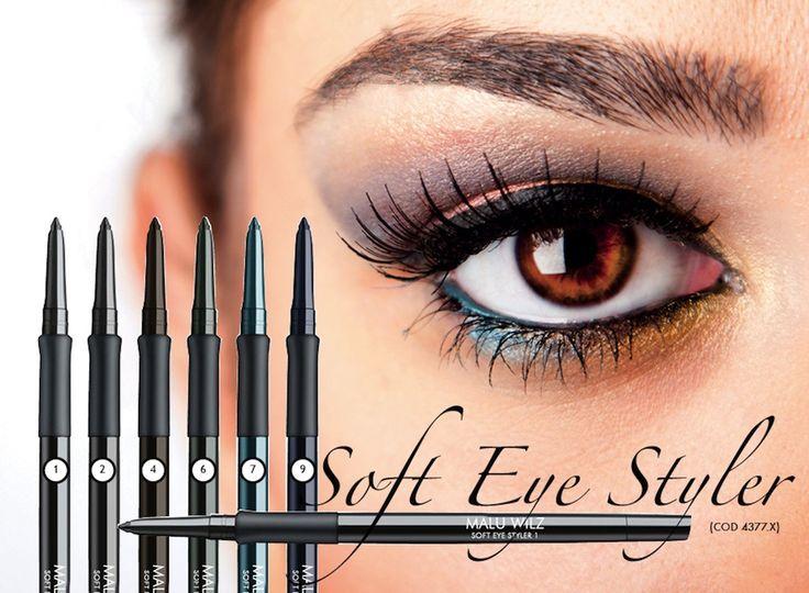 A Malu Wilz Soft Eye Styler szemceruza egy újgenerációs, krémesen lágy szemkontúr ceruza ásványi anyagokkal. A Soft Eye Styler szemceruzát tus helyett is használható. A precíziós gumis nyél pontos felvitelt, precíz kontúrozást eredményez, nem kenődik, nem kopik. Alkalmas az érzékeny szemre is. Szemhéjpúder alapozóval még jobban fokozható a tartóssága.