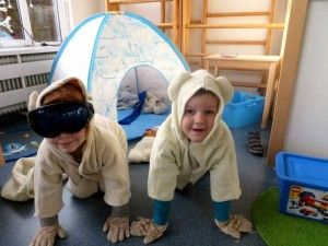 Noordpool hoek ijsberen met iglo, North pole role play area, polar bears, kleuteridee.nl